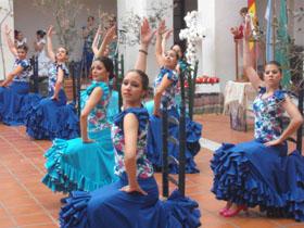 Actuación del ballet de Casa de España.