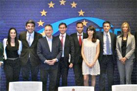 Prada con miembros del Comité Ejecutivo del PP en Bélgica.