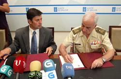Samuel Juárez y Juan Carlos Villamía, en la firma del convenio.