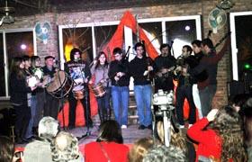 Actuación de la banda 'Irmandade'.