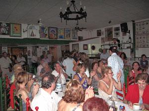 Los andaluces se volcaron en la fiesta benéfica.