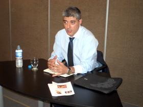 Ildefonso de la Campa transmitió la visión del Gobierno de la Xunta respecto al futuro de las entidades en el exterior.