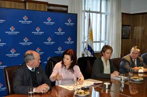 Pilar Pin en 'La Española' con José María García y la consejera de Trabajo, Rosa Fuentes.