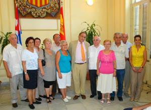 El cónsul Pablo Barrios junto a los once miembros titulares del nuevo CRE de Cuba.
