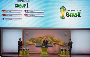 Momento del sorteo celebrado en el que se configuró el Grupo I de la zona europea.