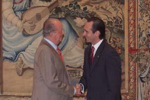 Don Juan Carlos y José Ramón Bauzá.