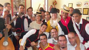 Una parte de los integrantes actuales del grupo de baile.