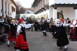 El baile gallego no faltó en la celebración.