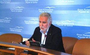 El portavoz de Emigración del PPdeG, Miguel Santalices, en una comparecencia reciente.