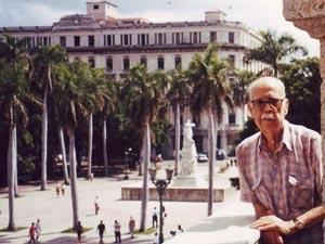 Jesús Barros López falleció en agosto de 2002 a los 85 años de edad.