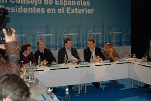 Mariano Rajoy y Alfredo Prada, con otras autoridades, en León en el III Consejo de Españoles en el Exterior del PP.