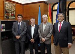Álvarez-Cascos (d) y Rivero (i) con Rodríguez Braga (2d) y Pino (2i).