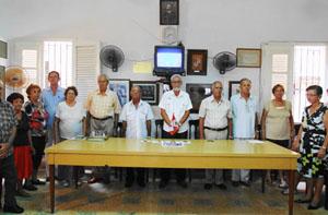 José López Botello y Sergio Rabanillo Dámera (centro) al inicio del acto en el Club Villarino de La Habana.
