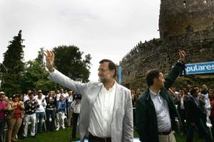 Alberto Núñez Feijóo y Mariano Rajoy en el Castillo de Soutomaior.
