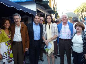El alcalde de A Coruña, Carlos Negreira, visitó la caseta leonesa.