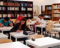 Los alumnos de la UNED tendrán un importante descuento en la matrícula.