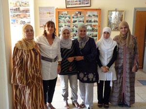 Estarellas con mujeres beneficiarias de los proyectos del Govern en Marruecos.