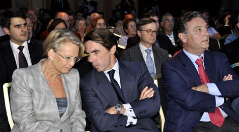 Michèlle Alliot-Marie, exministra francesa de Exterior, Aznar y Prada.