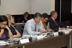 En el centro Ildefonso de la Campa, del Gobierno gallego, junto a otros representantes autonómicos.