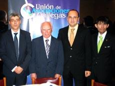 Fitzimons Bran, primero desde la derecha, en el acto en el que fue premiado como Joven Gallego del Año 2010.