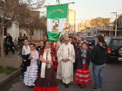 Los andaluces en procesión.