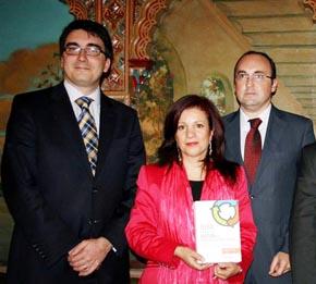 Leandro Pavón, Pilar Pin y el consejero de Trabajo en Argentina, Julio Olmos.
