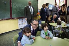Jesús Vázquez, visitó el CEIP Curros Enríquez, en A  Coruña.