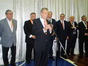 Estrella animó a los directivos a seguir trabajando por la unión de España y Argentina.