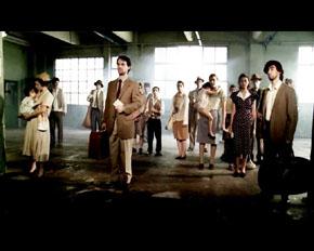 Los jóvenes actores interpretaron a emigrantes gallegos a su llegada a Buenos Aires a mediados del siglo pasado.