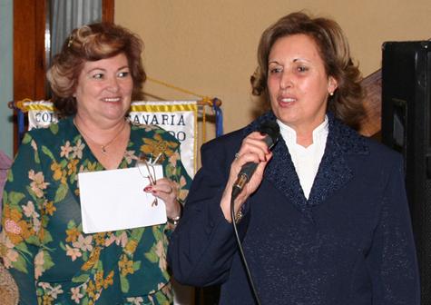 Martha Pereira, presidenta de la colectividad, y Teresa Bermúdez.