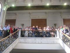El grupo de la Casa de Palencia en Cantabria en su visita a la Diputación.