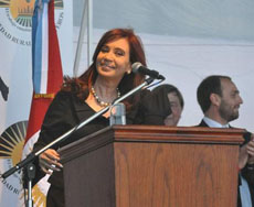 La presidenta argentina inauguró el centro hospitalario.
