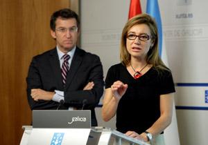La conselleira de Facenda, Marta Fernández Currás, explica los Presupuestos en presencia de Alberto Núñez Feijóo.