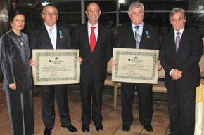 Pilar Pin, Daniel Loureiro, Antonio Casas, jefe de la Oficina Laboral en Río de Janeiro, Juan Alvite y el consejero de Trabajo, Jesús Salas.