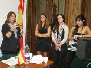Julia Hernando agradeció el apoyo de la Junta para desarrollar acciones solidarias.