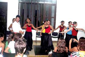 Imagen de la actuación del grupo Aires de España.