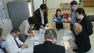 Recuento de los votos depositados en el Consulado de París en las pasadas elecciones autonómicas.