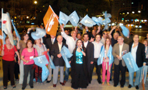 Los simpatizantes del PP en el cruce de la Avenida de Mayo y 9 de julio de Buenos Aires.