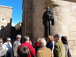 El grupo en una de las visitas culturales.