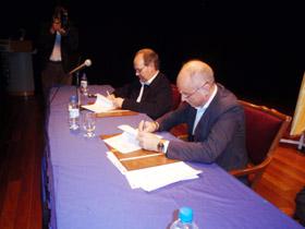 Santiago Camba firmó en noviembre de 2010 un convenio similar con la Hermandad Gallega de Venezuela.