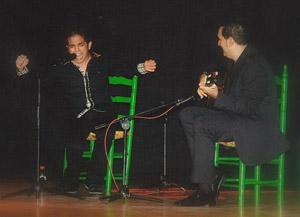 Al cante, Fernando Soriano y a la guitarra, Juan Vicente Gil.