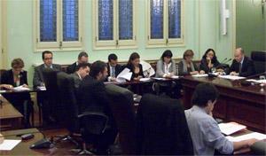 El conseller Gómez (d) presenta los Presupuestos acompañado por los altos cargos de su Conselleria.