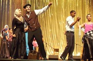La obra 'El sueño de muchos' interpretada por todos los grupos de la Agrupación de Sociedades Castellanas y Leonesas de Cuba.
