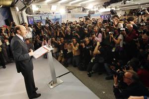 Alfredo Pérez Rubalcaba compareció la noche electoral ante los medios en solitario.