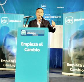Intervención de Alfredo Prada en un mitin en Uruguay.