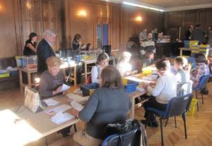 Recuento del voto exterior en la circunscripción de Pontevedra.