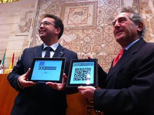 El presidente de la Asamblea, Fernando Jesús Manzano, y Antonio Fernández.
