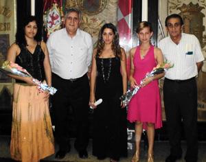 Bernal y Trabada con la Señorita Castellana y sus damas de honor.