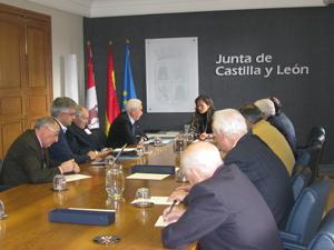 María de Diego Durántez presidió la reunión con la Confederación Internacional de Casas y Centros de Castilla y León.
