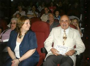 José Pérez Pinar con la 'Distinción a la Trayectoria de Vida' otorgada por la Asociación de Geriatría y Gerontología.